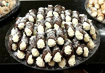 chocolate cannoli tray