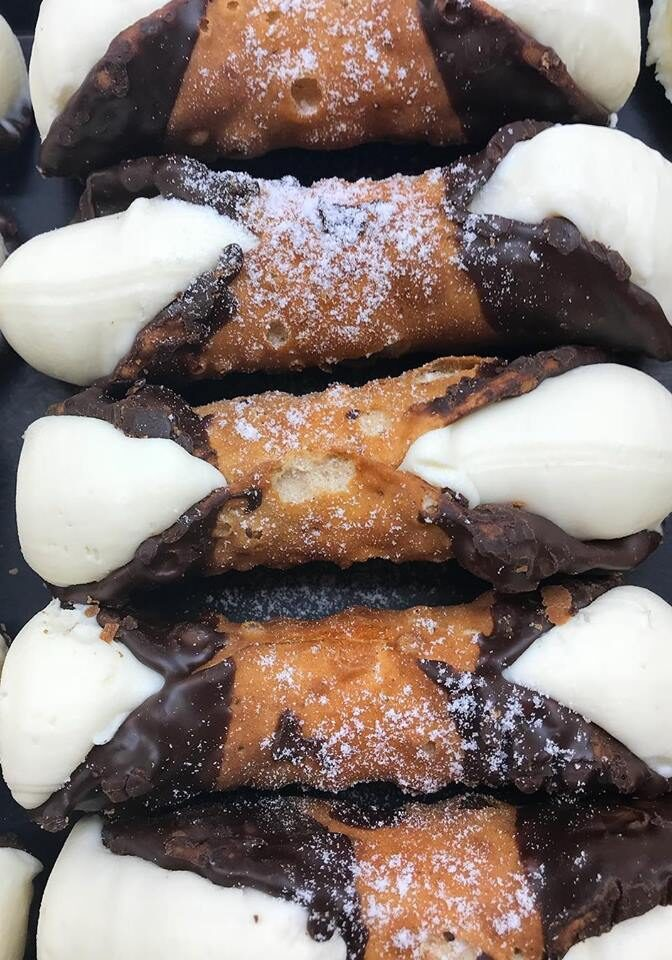 chocolate dipped cannoli 2018